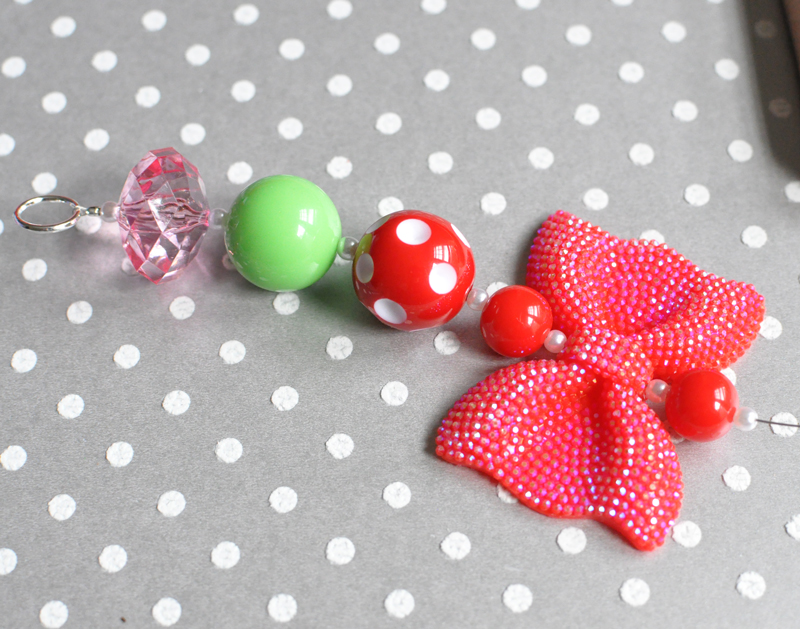 Chunky ribbon necklace tutorial - Boutique Craft Supplies